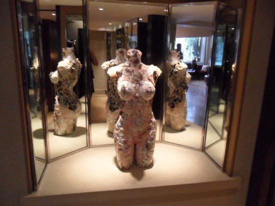 The Athenaeum Hotel & Residences : Sexy details