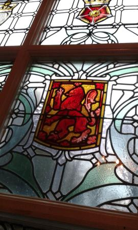 YHA Ravenstor: Lovely stained glass windows on the grand stairway