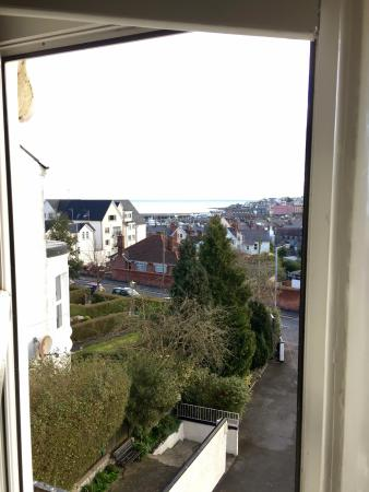 Ennislare Guest House : view of the town and water