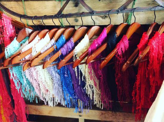 Chester, VT: Lace Infinity Scarves
