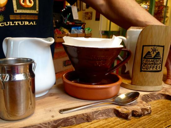 Worcestershire, UK: Stylish presentation of our Colombian speciality coffees
