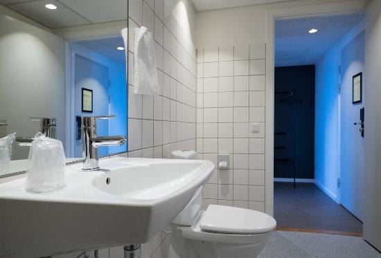 Ishoej, Dinamarca: Bathroom