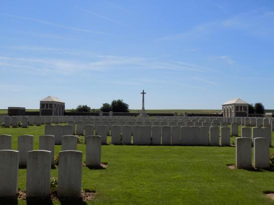 Gommecourt British Cemetery No.2