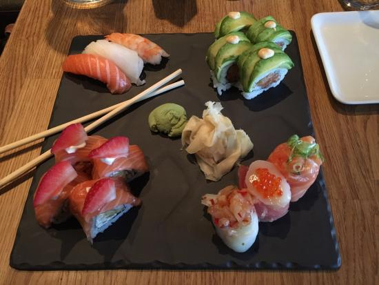 Ra Sushi & Bar: Beautifull and DE-LI-CIOUS !