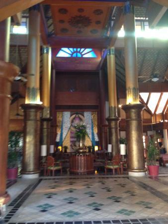 Krabi Thai Village Resort: Entrance to hotel