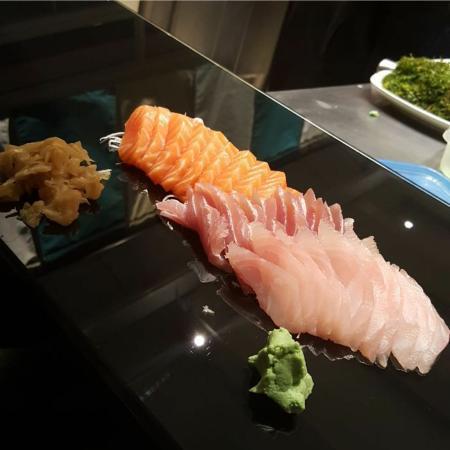 Sashimi direto no balcão