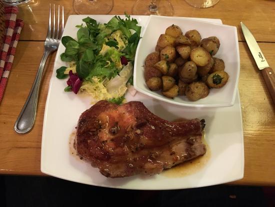 Quand L'Appetit Va Tout Va: côte de porc, pommes de terre et salade : miam !