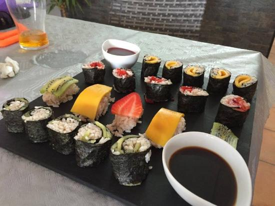 fruit sushi picture of da silva 39 s restaurant ciudad quesada tripadvisor. Black Bedroom Furniture Sets. Home Design Ideas