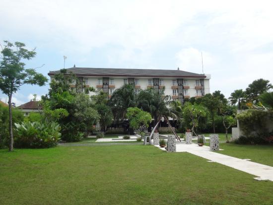 favehotel Umalas: ホテル中庭