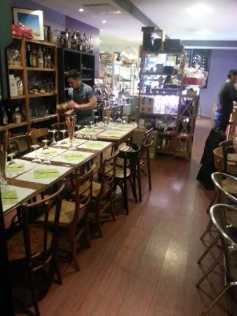 Tavolone gen ve rue des bains 41 restaurant avis for A tavolone