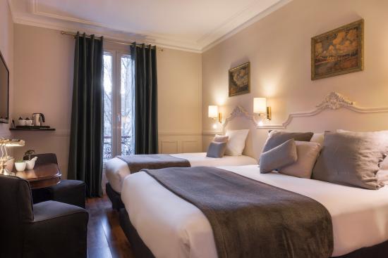 Hotel de la Porte Doree: Exclusive Triple