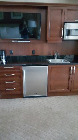 Signature at MGM Grand: Doesn't take many pictures, but this is the kitchenette and the seating area and the view I had