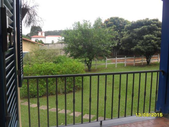 Pousada Estrada das Aguas : Visão da janela do quarto!