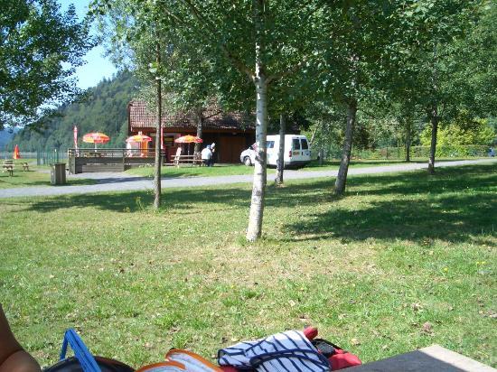 Camping des Lacs: eine kleine Brasserie