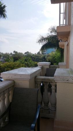 Hilton Naples: Balconies