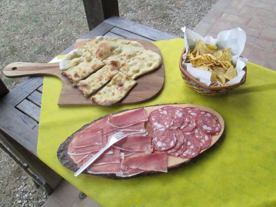 Montespertoli, Italia: Welcome buffet free every saturday