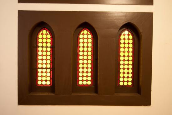 Landay Hostel: vitrales