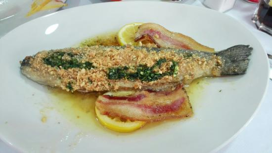 Castellar de n'Hug, Hiszpania: Restaurante Hostal la Muntanya