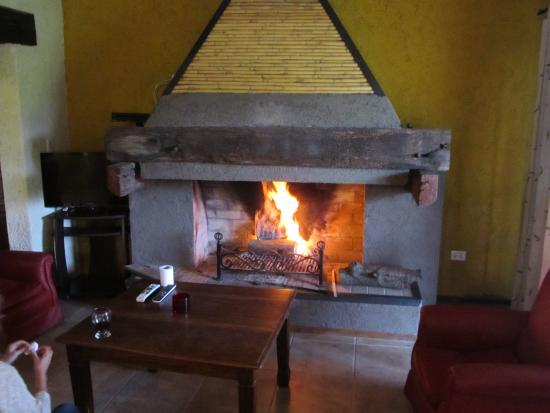 Los Sauces, Аргентина: We enjoyed the fireplace one cool night