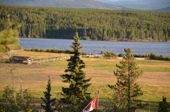 Terra Nostra Guest Ranch: Clearwater Lake