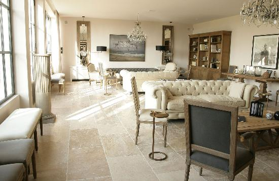 Lit excellent tete de lit magnifique luminaires astucieux et ravissants picture of domaine de - Le domaine de fontenille ...
