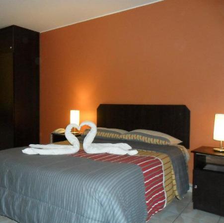 Corona Suite Hotel