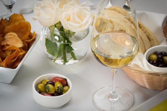 Scena Wine Bar & Restaurant