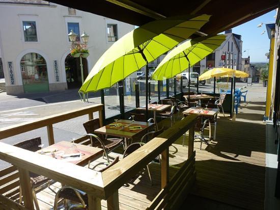 Hotel le chene vert savenay restaurant avis num ro de for Piscine savenay
