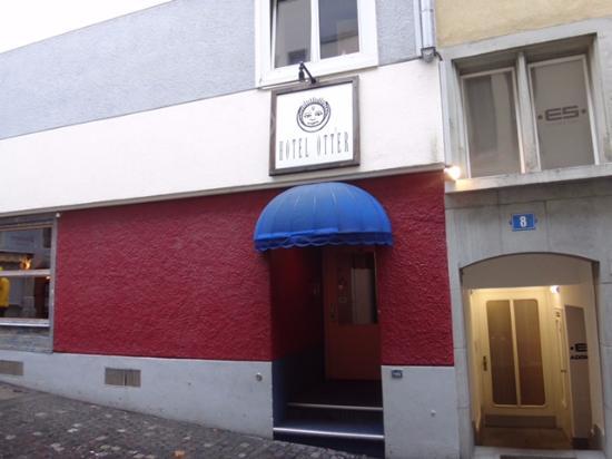 Hotel Otter: Main Entrance