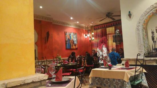 Al-Medina: מסעדה מרוקאית נחמדה