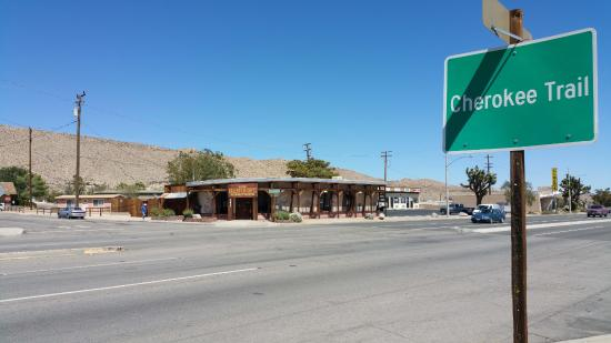 Yucca Valley, Califórnia: Beautiful, unique art, gallery, gifts, jewelry, candles, quilts, souvenirs