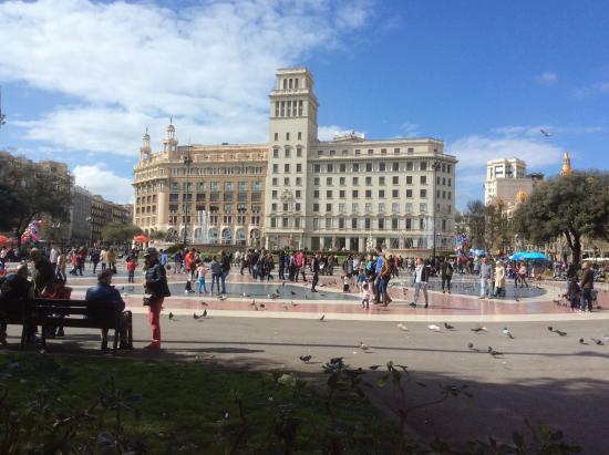 Catalunya Square, very spacious, atmospheric and ...