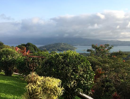 Arenal Springs Villas by the Lake: Ever-changing view