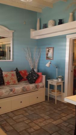 كوتجيز باي ذا سي: Coral Cottage