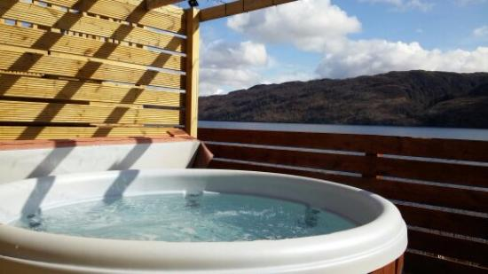 hot tub is bigger than it looks picture of loch ness highland rh tripadvisor co nz