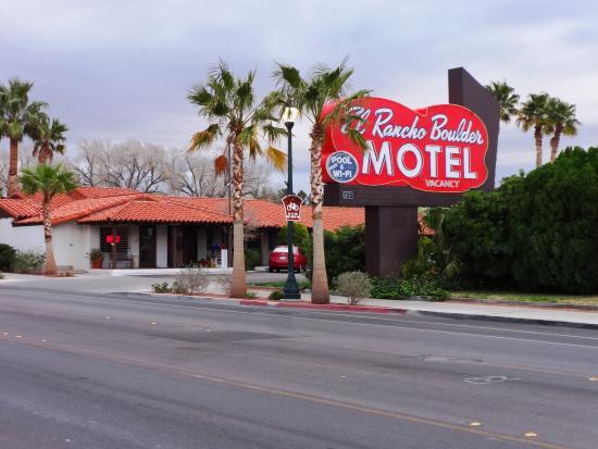 El Rancho Boulder Motel: Exterior of Hotel