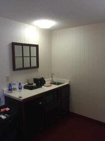 SpringHill Suites Minneapolis-St. Paul Airport/Eagan: Coffe and sink area