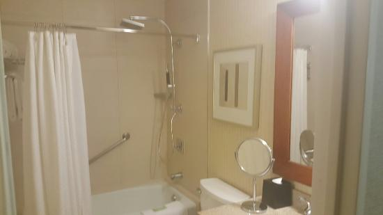 Westin Galleria Houston Hotel: 20160331_204651_large.jpg