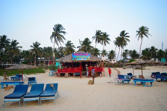 Pinacolada Beach Shack: Shack front view