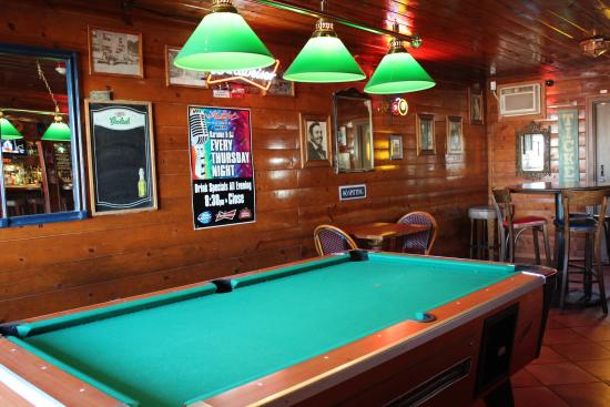 Byron, CA: Pool Table