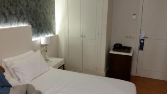 H10 Raco Del Pi: Nice clean room