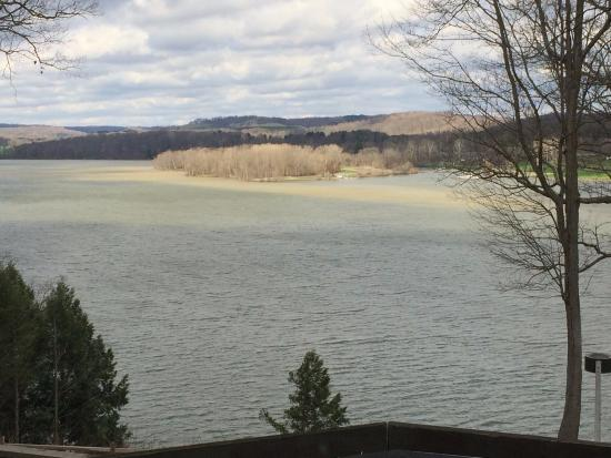 Perrysville, OH: Mohican Lake view from lobby