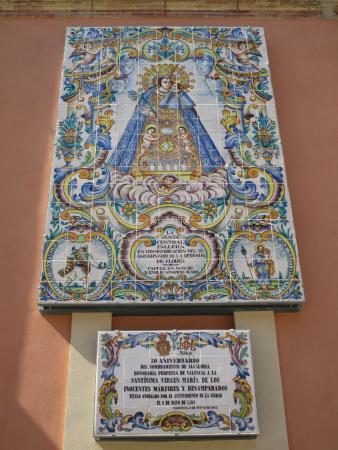 Basilica de la Virgen de los Desamparados: Real basílica de Nuestra Señora de los Santos Inocentes Mártires y Desamparados