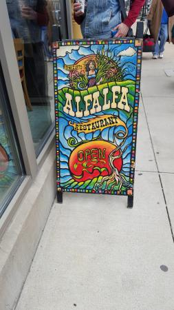 Alfalfa Restaurant: Worth going to!!! Great food, Great service!