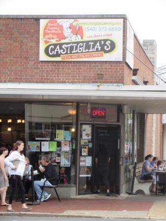 Castiglia S Italian Restaurant Corner Location A Block From Princes Ann Two Caroline