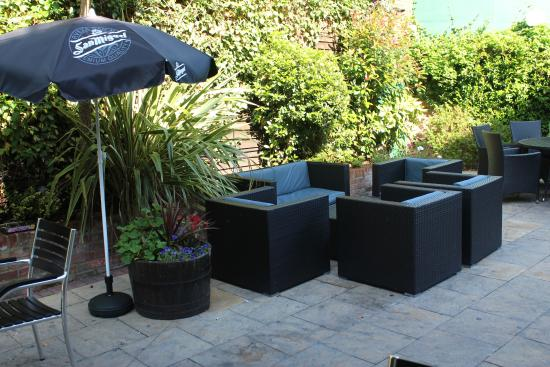 The Cathedral Hotel Restaurant: The new look garden