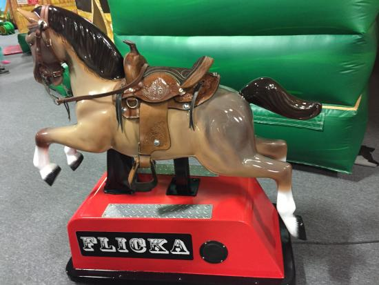 Bounce House : New coin operated horse ride