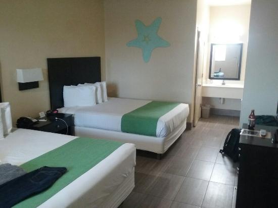 Island Hotel Port Aransas : 20160331_192624_large.jpg