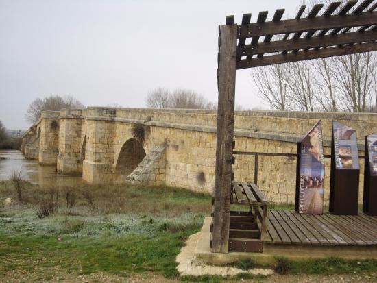 Itero de la Vega, إسبانيا: Puente de Itero