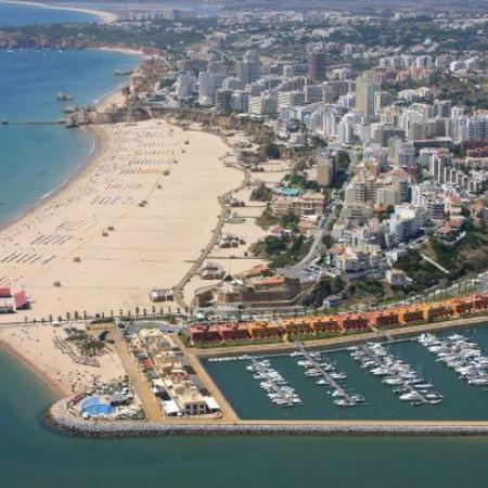 Clube Praia Da Rocha Long Shot Of The Magnificent Beach
